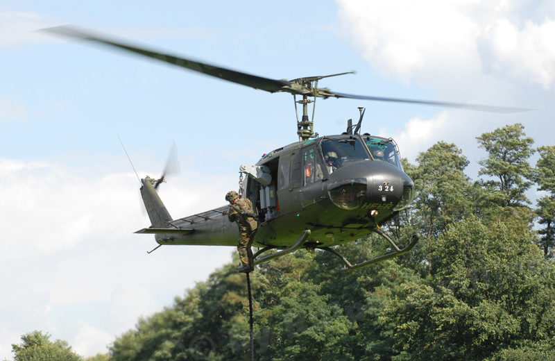 bw-helicopters-uh1-001