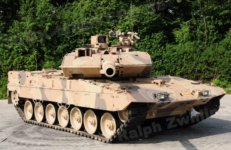bw-tracked-leopard2a7+d-001