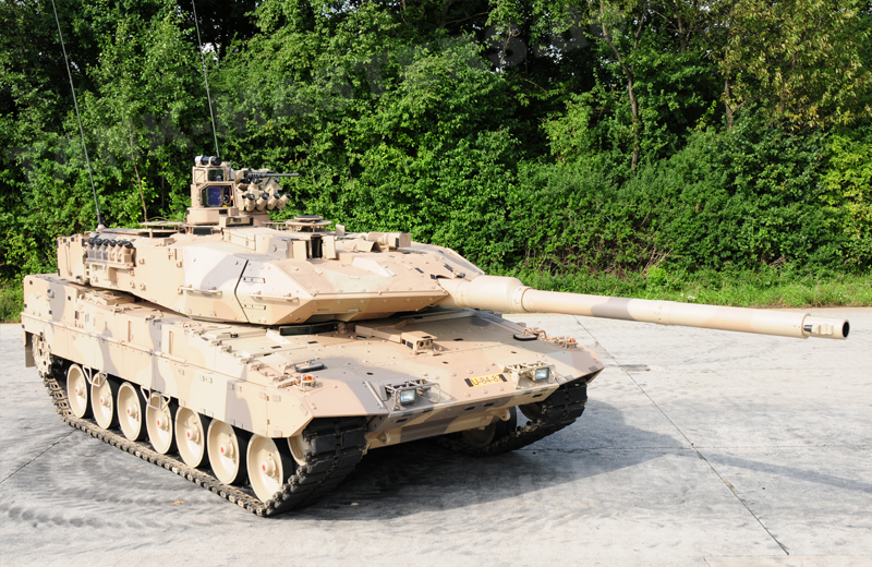 bw-tracked-leopard2a7+d-004