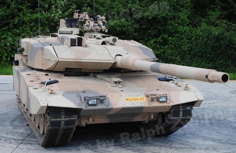 bw-tracked-leopard2a7+u-001