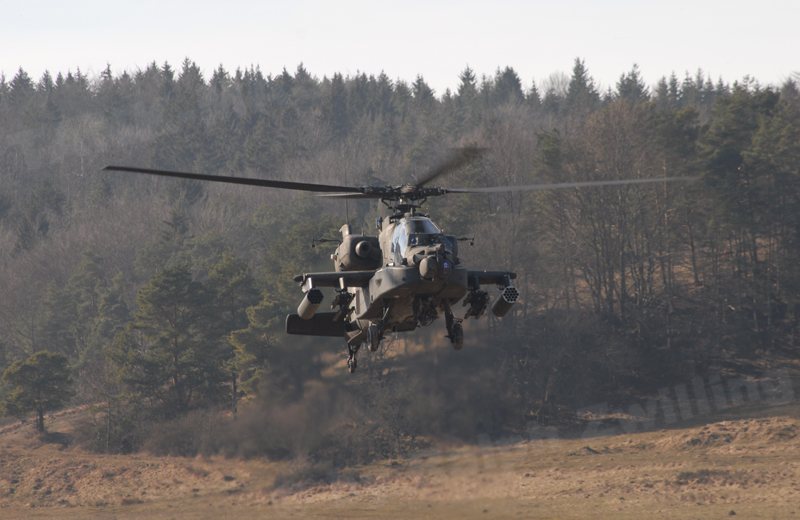 us-helicopters-ah64-002
