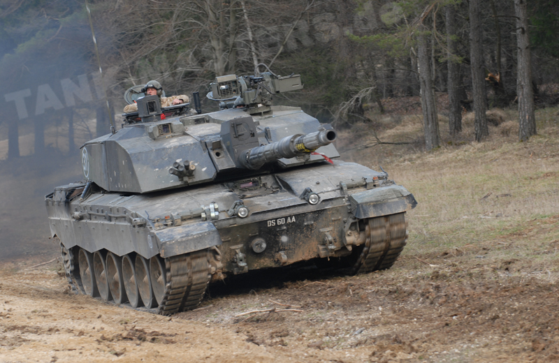 uk-tanks-challenger-003