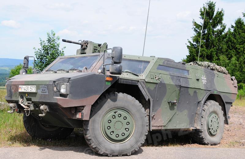 Fü-ErkdFzg Pi Fennek 1A1 (1)