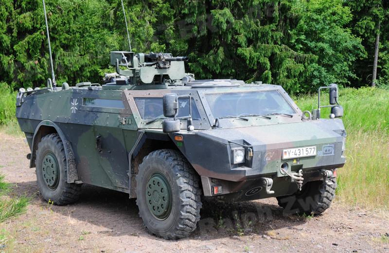 Fü-ErkdFzg Pi Fennek 1A1 (2)